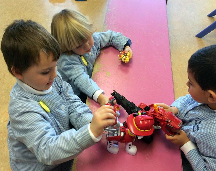 La línea A, 1º de Educación Infantil, también trae a clase sus juguetes de Reyes