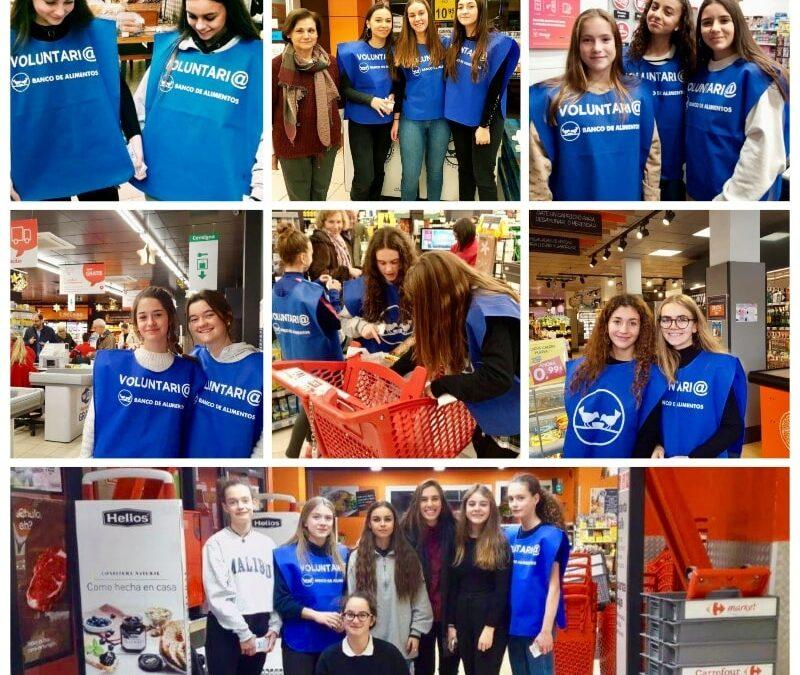 Alumnas de Alcaste colaboran en la campaña de recogida del Banco de Alimentos