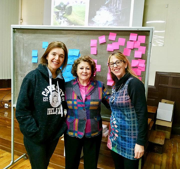 Las profesoras de Infantil Gema Ovejas y Ana Fernández en un curso de educación emocional