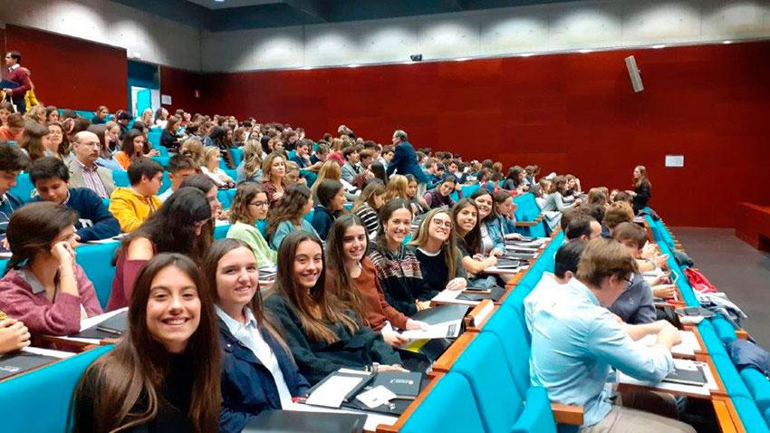 Alumnos Excellence reflexionan sobre relaciones personales, sociales y virtuales
