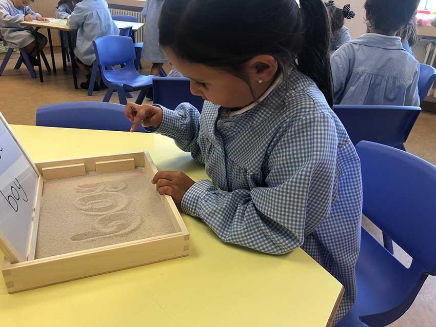 3º de Infantil trabaja la grafomotricidad en inglés