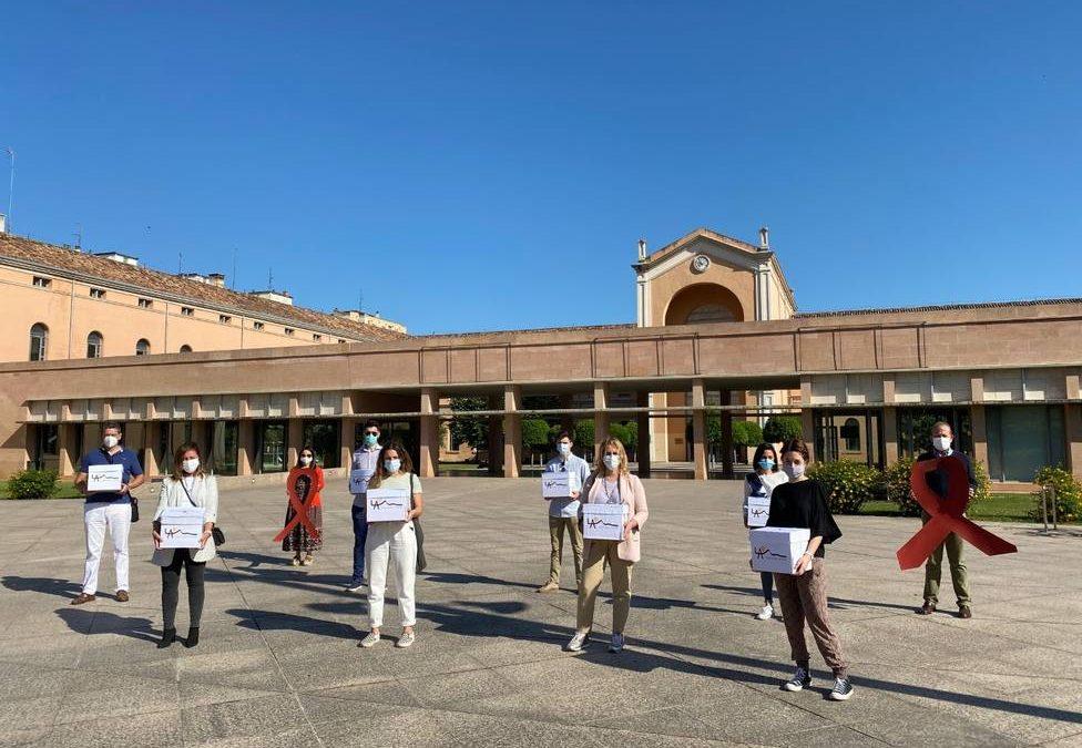 Familias de Alcaste-Las Fuentes entregan cerca de 3000 cartas al consejero de Educación